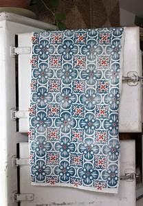 Tissu Carreau De Ciment : motif carreau de ciment sur tissu belette print ~ Teatrodelosmanantiales.com Idées de Décoration