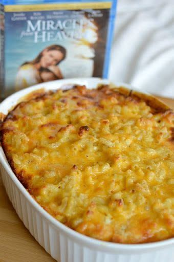 Dashing christmas dinner menu menu. Traditional Southern-Styled Baked Macaroni and Cheese (With images) | Quick thanksgiving recipes ...