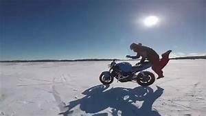 Moto Qui Roule Toute Seul : une moto roule toute seule sur un lac gel ~ Medecine-chirurgie-esthetiques.com Avis de Voitures