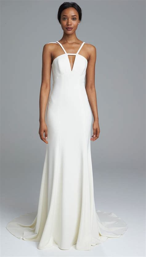 beach wedding dresses a complete guide