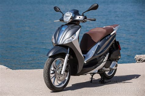 Piaggio Beverly Backgrounds by Piaggio Medley 125 Launch Review Road Test Scooterlab