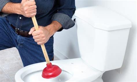 comment en finir avec une toilette bouch 233 e trucs pratiques