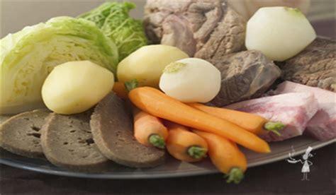 cuisine bretonne kig ha farz le far breton à la poêle ou farz pitilig recettes bretonnes