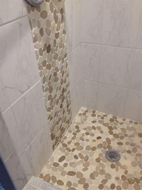 accent tiles for bathroom sliced java and white pebble tile pebble tile shop
