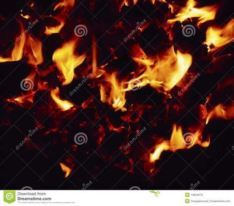 Lagerfeuer Temperatur by Kohle Feuer Stockbild Bild Flamme Kohlen Brand