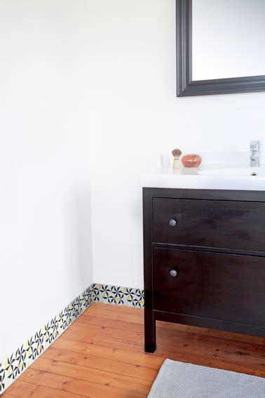 plinthe salle de bain plinthes pvc pour embellir la d 233 co de ses murs