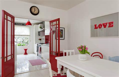 house  ravenscourt  red  white theme