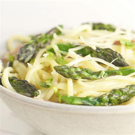 cuisiner des asperges fraiches asperge verte recettes vidéos et dossiers sur asperge verte cuisine actuelle