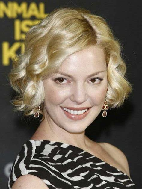 Best Curly Short Hairstyles For Round Faces