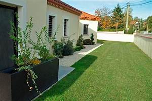 deco jardin devant maison petit jardin a amenager maison With amazing idee amenagement jardin devant maison 9 amenager une entree de maison moderne