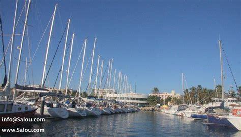 Llegar Un Barco A Puerto by C 243 Mo Llegar A Salou En Barco
