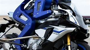 Moto Qui Roule Toute Seul : vid o motobot le robot qui conduit une moto tout seul lci ~ Medecine-chirurgie-esthetiques.com Avis de Voitures