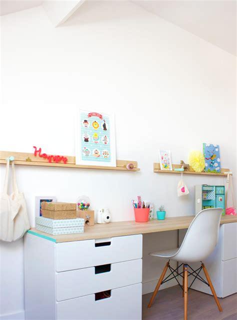colonne de rangement bureau comment aménager un bureau dans une chambre d enfant