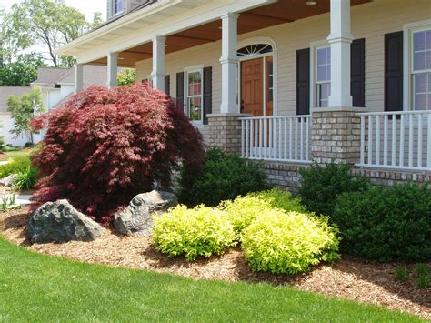 lanscaping plants landscaping 187 everett s landscape of grand rapids mi provides professional landscaping lawn