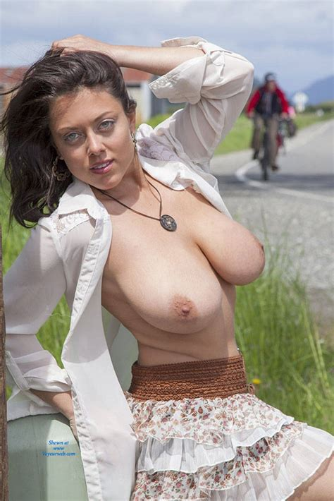 Flashing My Big Tits Outdoor June 2014 Voyeur Web