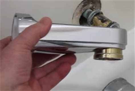 Leaky Delta Faucet Bathtub by Delta Bathtub Faucet Leaking What To Do