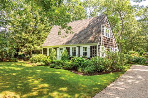6 Windsor Lane Wainscott New York 11975 Single Family Home