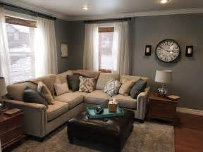 Teal Couch Living Room Ideas by Best 25 Cream Couch Ideas On Pinterest Cream Sofa