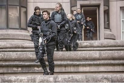 Hunger Games Mockingjay Rebels Stills War Panem