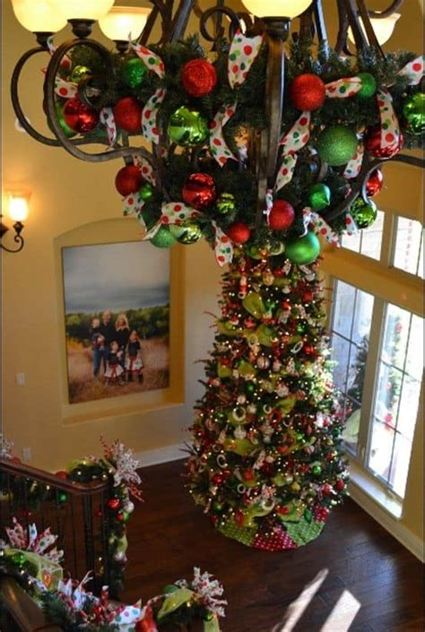 gorgeous christmas chandeliers   yuletide home