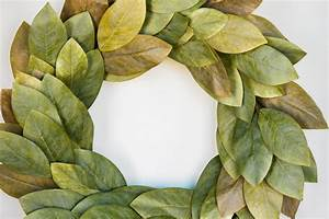 Signature Magnolia Wreath - Magnolia Chip & Joanna Gaines