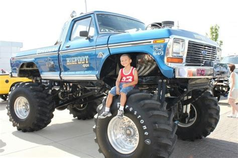 bigfoot 1 monster truck bigfoot 1 monster truck bigfoot the 1st monster truck