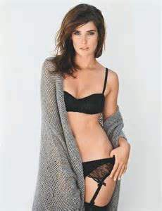 Cobie Smulders Jack Reacher Star Biography Filmography Sexy Photos Cfy