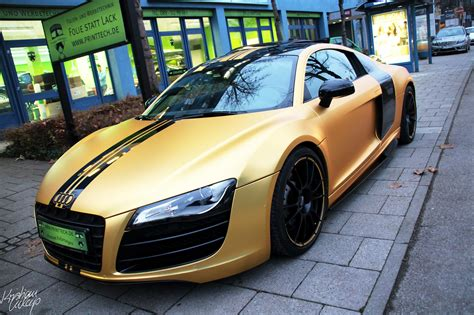 audi r8 gold audi r8 in matte gold dominates munich video autoevolution