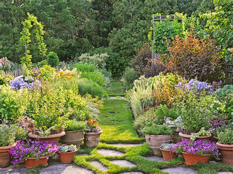 Gorgeous Garden Historic Home by Gorgeous Garden At A Historic Home Traditional Home