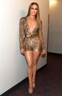 makeup for makeup artist grammy awards 2016 fashion j lo wears three styles