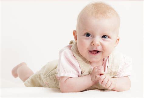 months  baby growth development milestones