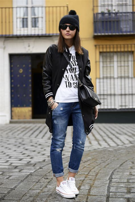 How To Wear Sneakers For Women 2018 | FashionGum.com