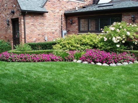 patio landscaping photos simple side yard landscaping house design for ranch style homes with red exterior brick wall and
