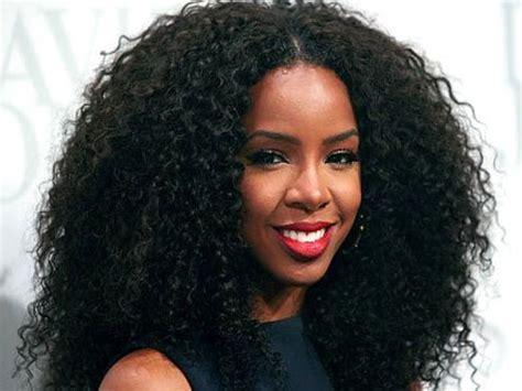 Pettinature capelli lunghi: esempi e mode