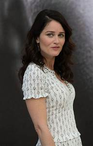 Robin Tunney Photos Photos - 'The Mentalist' Photo Call in ...
