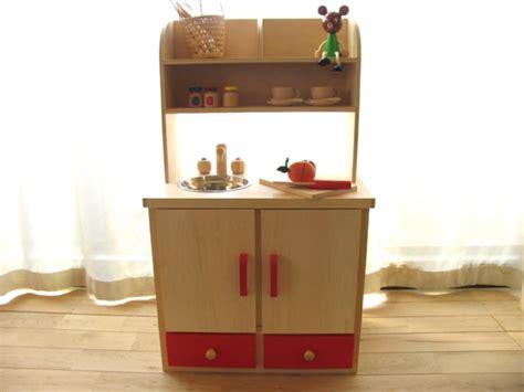 small wooden play kitchen kinderspielk 252 chen aus holz erfreuen sie ihr