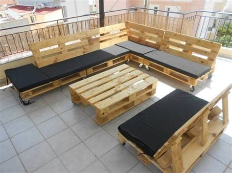 Couch Made Out of Wood Pallets | Amenagement terasse ...