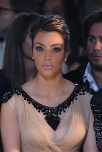 Kim Kardashian Photos Photos - Jill Stuart - Front Row ...