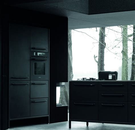 vipp cuisine meubles industriels noirs dans la maison préfabriquée vipp