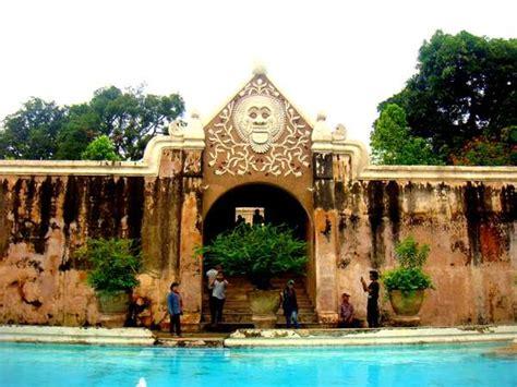 wisata jogja istana air taman sari aneka tempat wisata