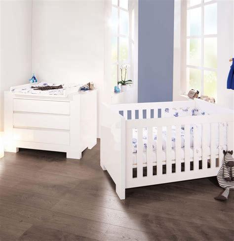chambre evolutive pour bebe pinolino cchambre bébé sky blanc lit évolutif et commode à