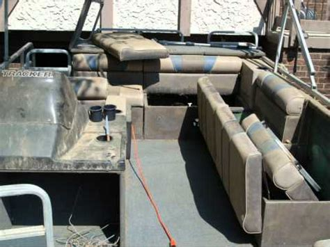 How To Restore Aluminum Pontoons by Pontoon Boat Transformation Cleaning Restoration Aluminum