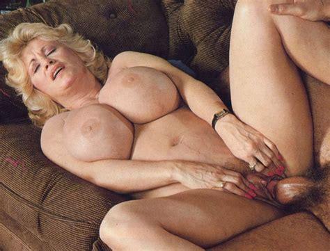 Superstacked Vintage Mature Hottie Lotta Topp Nude Mature