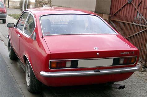 opel kadett c coupe file opel kadett c coupe rear 20080206 jpg wikimedia commons