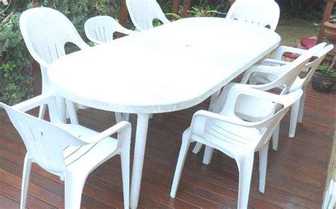 chaise bistrot blanche stunning chaise de jardin en plastique contemporary home
