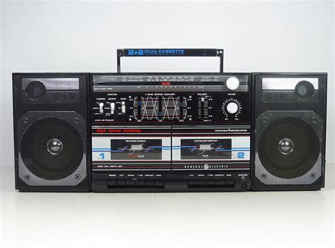 Vintage 80's General Electric Boombox Ghetto Blaster