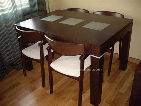 tablon de anuncios mesa de comedor   sillas color wengue