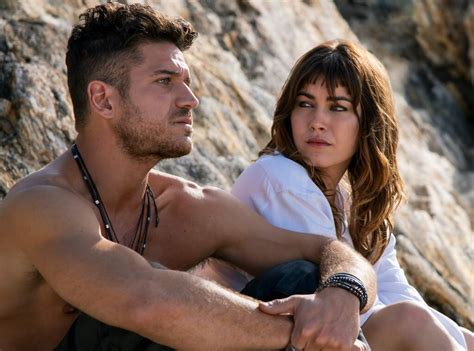 The Tidelands Cast Reveals The Truth About Those Steamy