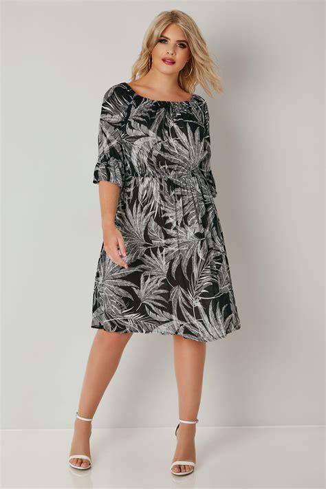 Robe Bohème Noir & Blanc Imprimé Feuilles, Grande Taille