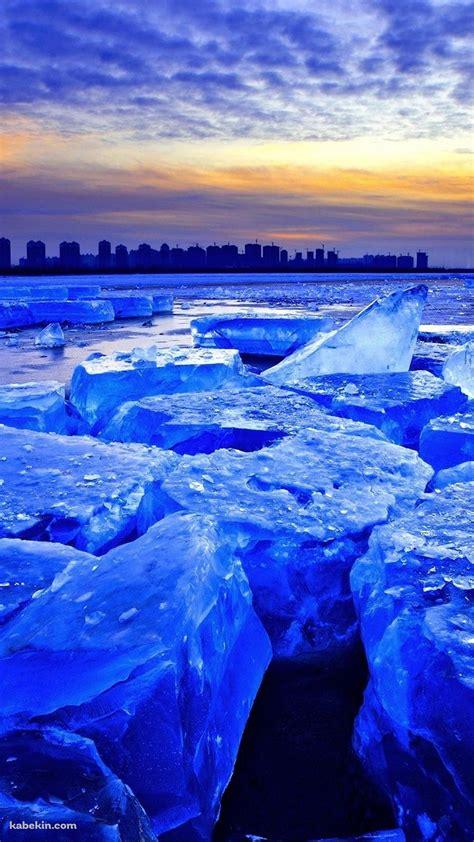 Nike Wallpaper Hd Iphone Iphone Hd壁紙 青く光る流氷の風景 Iphone7 スマホ壁紙 待受画像ギャラリー
